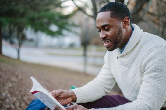 guy-reading